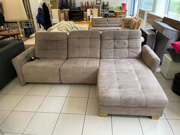 Elektrisch verstellbares robustes L-Sofa aus gebürstetem Leder