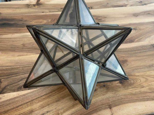 Einzigartige Hängelampe in Form von einem Stern